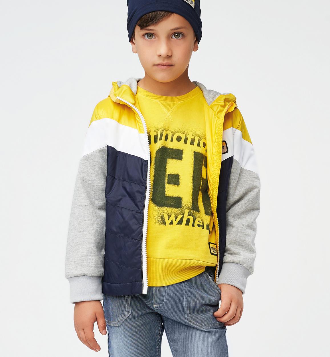 particolare giubbotto in nylon con manic giallo fronte 01 2744j46400 1446 150x150