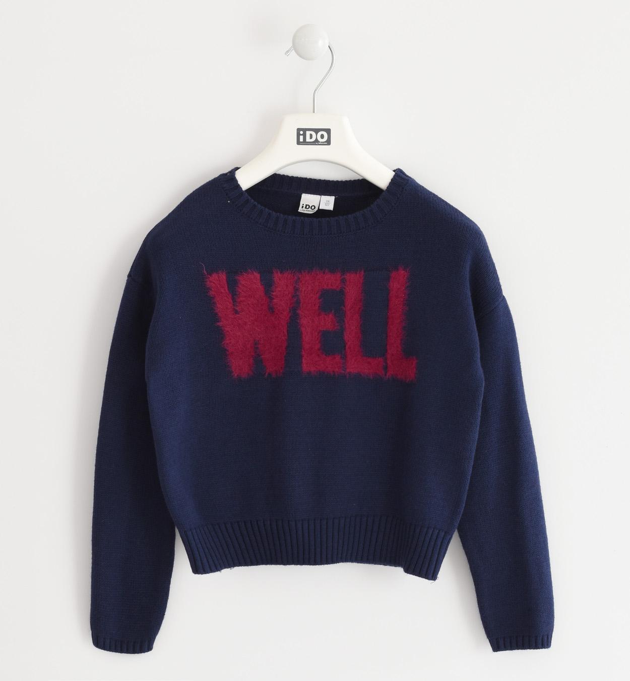 kislány kötött kék pulóver