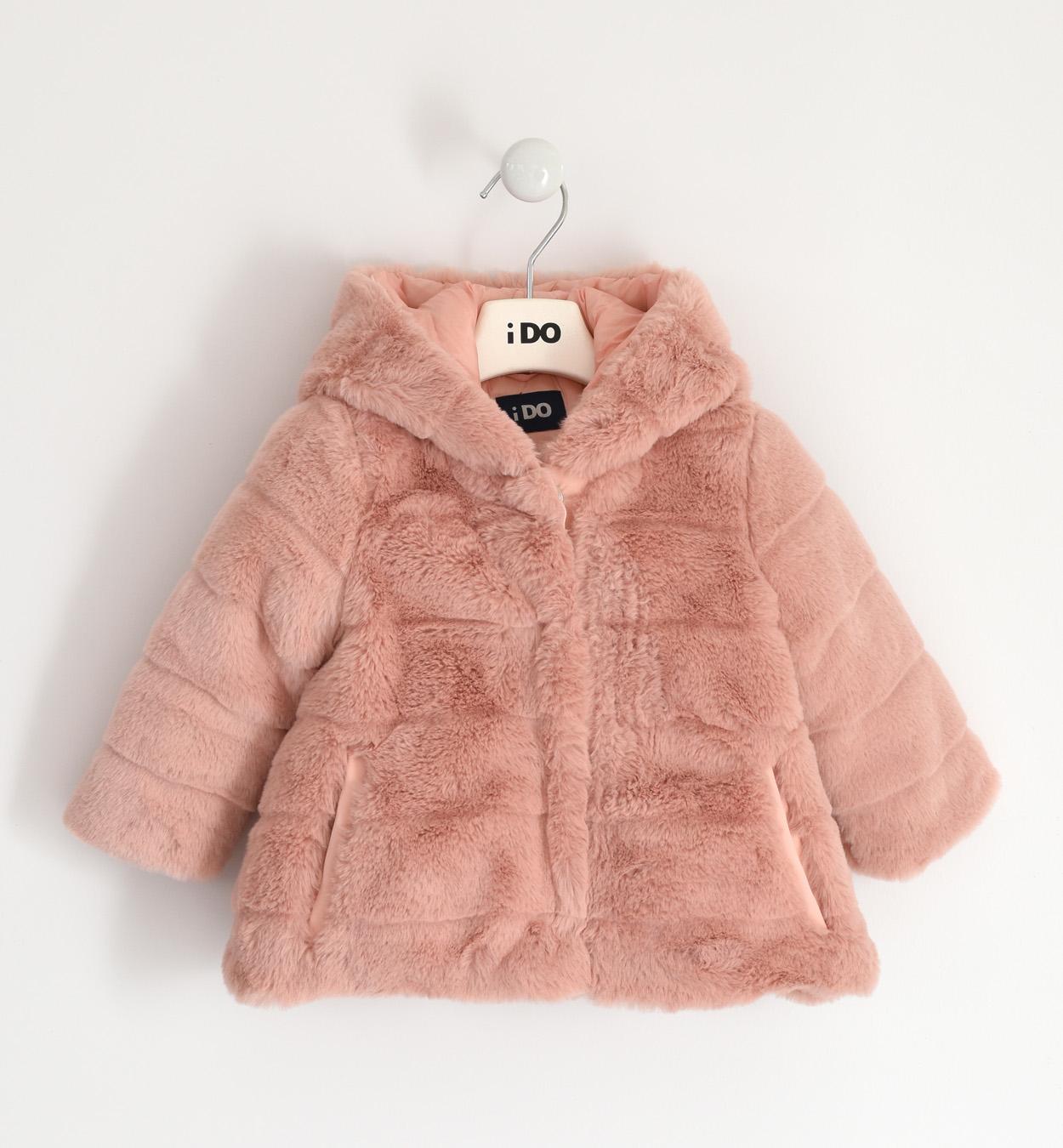 rózsaszín kislány bunda kabát