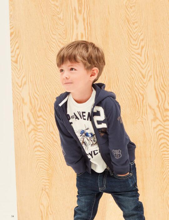 Kisfiú gyermek kék pulóver barna mintával