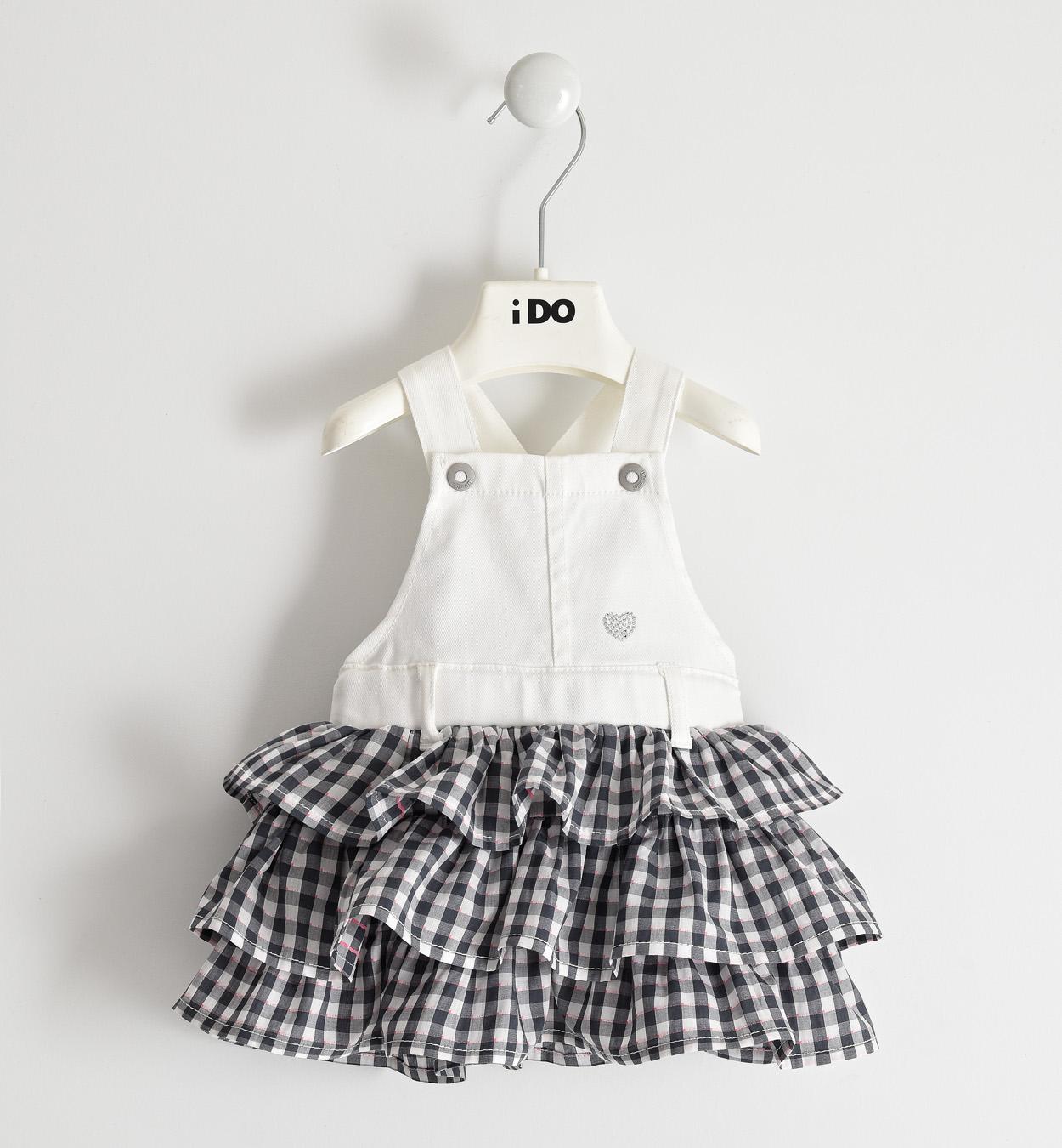 Kantáros kislány újszülött fehér szoknya
